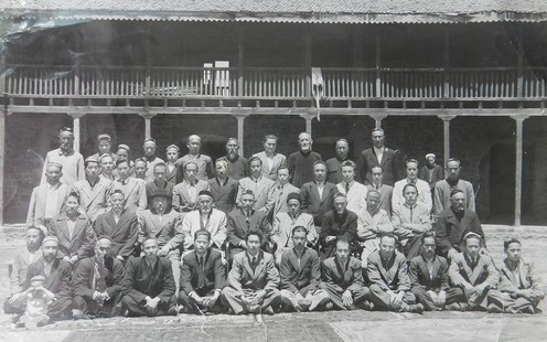A group of Uyghurs who succeeded in escaping at the time of the communist Chinese invasion and who took refuge in Kashmir, India. (Summer, 1950)