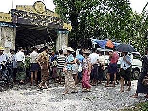cyclone_giri_victims_305_z.png