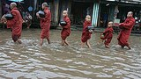 flood_monks_305_z.jpg