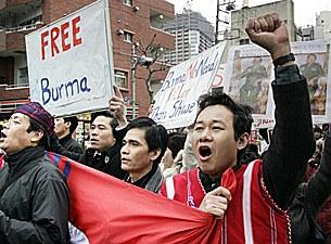 free_burma_tokyo_305px.jpg