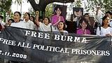 free_prisoners_delhi_305px.jpg