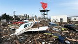 japan_quake_plane_305_z