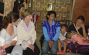 laura_bush_refugees_305px.jpg