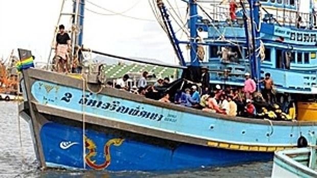 myanmar-workers-thai-boat-622.jpeg