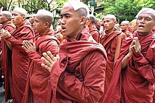 monks_pray_march_305px.jpg