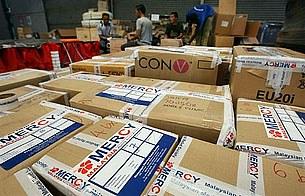 nargis_aid_packages_305px.jpg