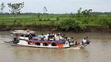 nargis_river_boat_305px.jpg