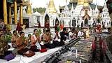 prayers_shwedagon_305px.jpg