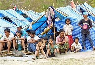 refugee_camp_305px.jpg