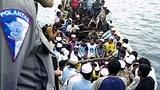 rohingya_boat_305px.jpg