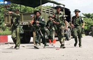 sittwe-riot-soldier-0612-b305