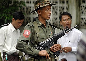 soldier_army_security_305_z.jpg
