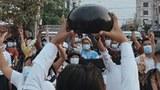 မန္တလေးမှာ ၂၀၂၁ ဇွန် ၇ ရက်နေ့က စစ်အာဏာရှင်ဆန့်ကျင် ဆန္ဒပြစဉ်