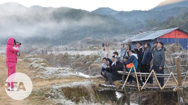 ကပ်ဘေးနဲ့ မငြိမ်းချမ်းမှုတွေကြားက ခရီးသွားမျှော်နေရတဲ့ ဘားနဒ်ရွာ
