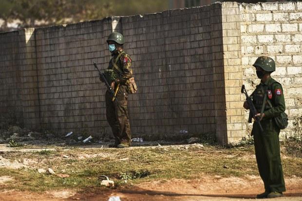 soldiers-1250.jpg