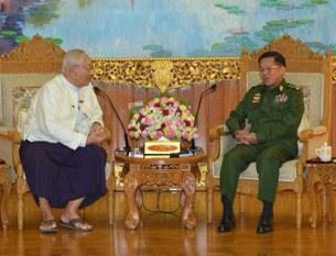 army-chief-media-305.jpg