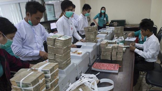 bank-staffs-622.jpg
