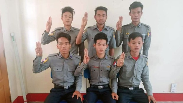 KNU ဧရိယာထဲ ထွက်ပြေးနေတဲ့ CDM ရဲတပ်ဖွဲ့ဝင်၂၅ ဦးရှိနေ