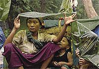 refugees_in_rain_200px.jpg