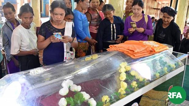 khaynin-monk-funeral-622.jpg