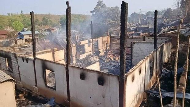 နမ္မတူ၊ မန်လီရွာ နေအိမ်လေးဆယ်ကျော် ထပ်မံမီးရှို့ခံရ