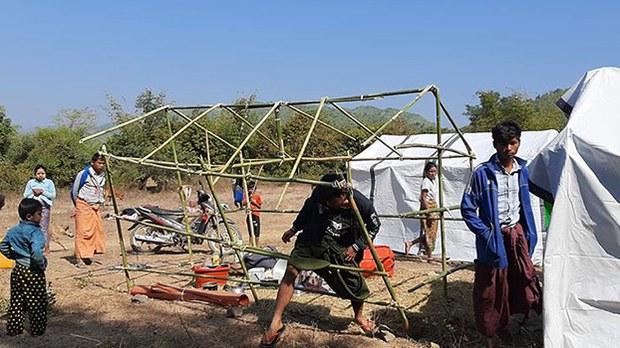 refugees-camp-destroyed-622.jpg