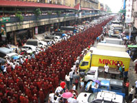 monks_march_A_09-24-07_200p.jpg