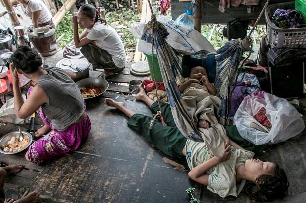 မြန်မာ့အလုပ်အကိုင် တစ်သန်းလောက်ဆုံးရှုံးပြီး ဆင်းရဲနှုန်း နှစ်ဆတိုးလာမယ်လို့ ကမ္ဘာ့ဘဏ်ထုတ်ပြန်