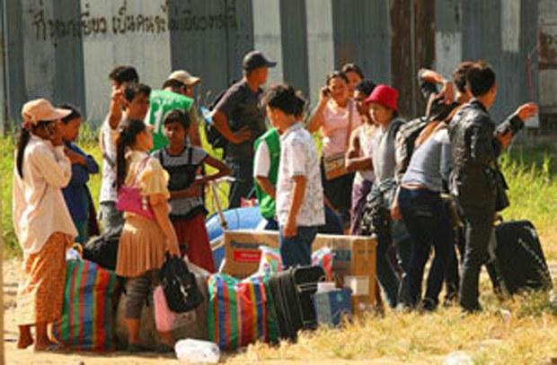 migrant-workers-thai-border-620.jpg