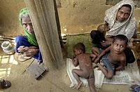 rohingya_family_200px.jpg