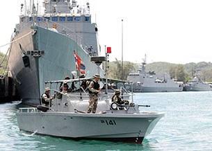 thai-navy-305.jpg