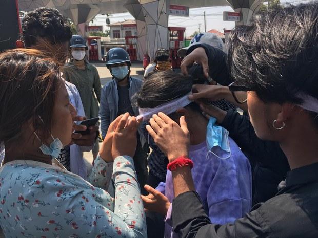 မြစ်ကြီးနားမှာ ဆန္ဒပြသူတွေ လေးခွနဲ့ ပစ်ခတ်ခံရ