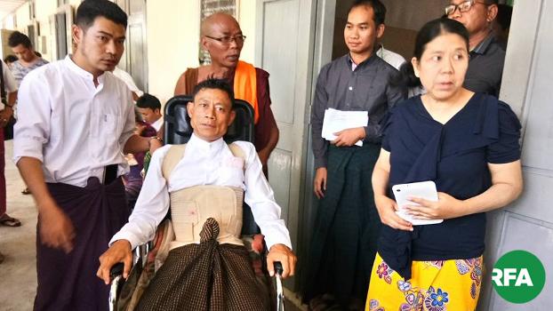 မန္တလေးမြို့ မဟာအောင်မြေမြို့နယ်တရားရုံးက ကိုဆွေဝင်းရဲ့အမှုရုံးချိန်းမှာ ကိုကျော်မျိုးရွှေ ကို ၂ဝ၁၈ ခုနှစ် ဖေဖော်ဝါရီလ ၂၆ ရက်နေ့က တွေ့ရစဉ်