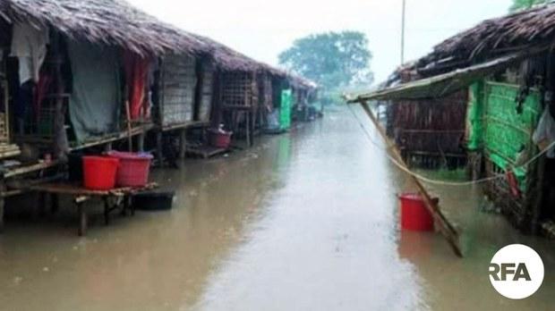 မြောက်ဦး တိမ်ညိုစစ်ဘေးဒုက္ခသည်စခန်းမှာ ရေကြီးနေလို့ ဒုက္ခသည်တွေ အခက်အခဲဖြစ်နေ