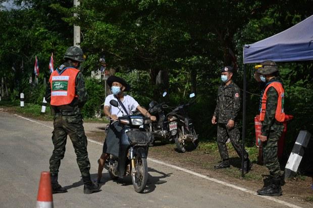 တရားမဝင် ဝင်လာမှုနဲ့ မြန်မာနိုင်ငံသား ၂၄ ဦး ထိုင်းမှာဖမ်းဆီးခံရ