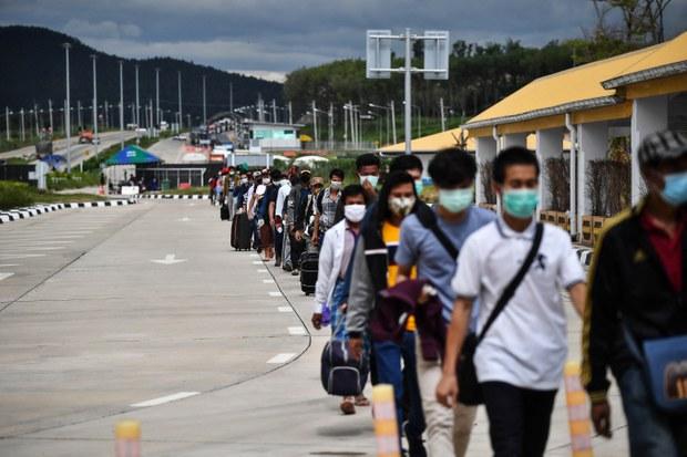 ထိုင်းနယ်စပ်မှာ သောင်တင်နေတဲ့ မြန်မာအလုပ်သမားတချို့ ပြန်ခွင့်ရ