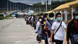 ၂ဝ၂ဝ ခုနှစ် အောက်တိုဘာလက မြန်မာနိုင်ငံကို ပြန်လာကြသော ထိုင်းရောက် မြန်မာရွှေ့ပြောင်းအလုပ်သမားများ။