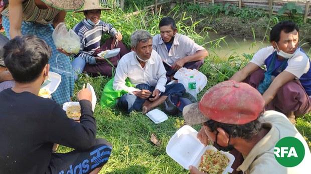ဝါးခယ်မ လယ်သမား သုံးဦး ဖမ်းဆီးခံရ