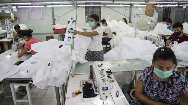 မြန်မာ့စီးပွားရေးလုပ်ငန်း ထက်ဝက်နီးပါး ယာယီရပ်နားထားရ