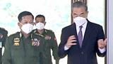 နေပြည်တော်မှာ ၂၀၂၁ ဇန်နဝါရီ ၁၂ ရက်နေ့က တပ်မတော်ကာကွယ်ရေးဦးစီးချုပ် ဗိုလ်ချုပ်မှူးကြီး မင်းအောင်လှိုင်နဲ့ တရုတ်နိုင်ငံခြားရေး ဝန်ကြီး ဝမ်ယိ တွေ့ဆုံစဉ်