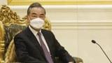 ၂ဝ၂၁ ခုနှစ် ဇန်နဝါရီ ၁၁ ရက်နေ့က နေပြည်တော်တွင် နိုင်ငံတော်အတိုင်ပင်ခံပုဂ္ဂိုလ် ဒေါ်အောင်ဆန်းစုကြည်နဲ့ တရုတ်နိုင်ငံခြားရေးဝန်ကြီး ဝမ်ယိတို့ တွေ့ဆုံစဉ်။