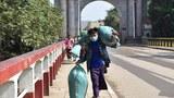 ကိုးကန့်ကိုယ်ပိုင်အုပ်ချုပ်ခွင့်ရဒေသ ချင်းရွှေဟော်နယ်စပ်မှာ တရုတ်ပြည်က ပြန်လာသူတွေကို ၂၀၂၀ ဖေဖော်ဝါရီလက တွေ့ရစဉ်