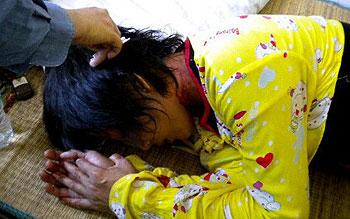 周四莺歌海警民冲突中,再有多名村民受伤,其中一名女孩伤势严重送院治疗。( 新村村民廖先生提供)