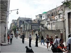 Havana_police305