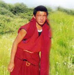 17歲格德寺僧人格桑旺秋(KELSANG WANGCHUK),10月3日在阿壩縣城自焚抗議獲救。(照片由國際聲援西藏運動提供)