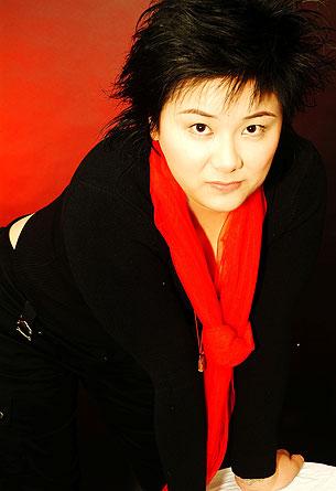 因非法集资罪被判死刑的浙江女商人吴英。 (摄于2006年1月。吴英家人提供)