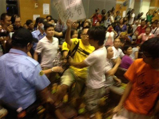 HK-RTHK-Protest0811-620.jpg