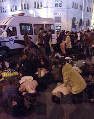 Shanghai-0101-Stampede-death400.jpg