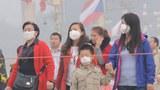 Beijing-Smog20141025-Tourists620.jpg