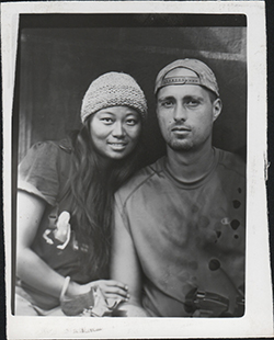 洪梅与美国丈夫Tom Carter 于2009年背包游遍印度。(照片由Tom Carter 拍摄及提供)